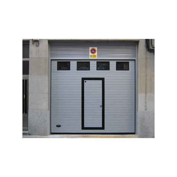 Puerta seccional residencial RAL9006 puerta peatonal