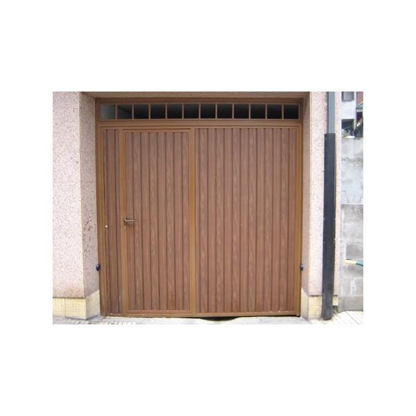 Puerta batiente imitación madera exterior