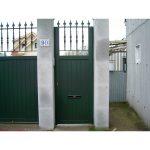 Puerta peatonal en detalle Lugo, aluminio