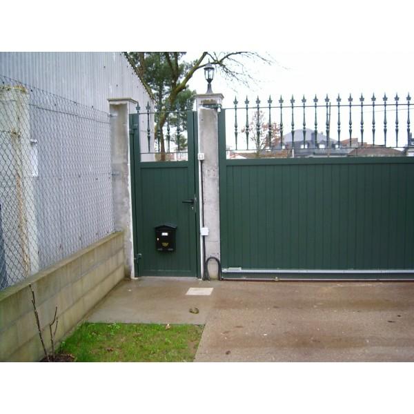 Puerta corredera exterior aluminio aluminio doble patio for Puerta corredera exterior
