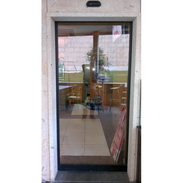 Puerta cristal corredera una hoja móvil