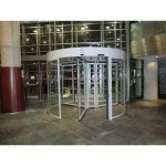 Puerta cristal giratoria