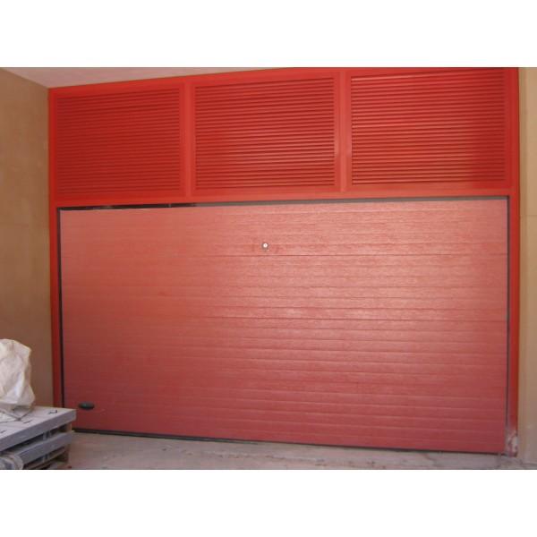 Puerta seccional residencial RAL3000