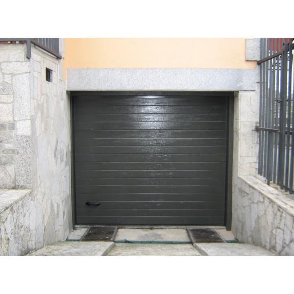 Puerta seccional residencial RAL7022