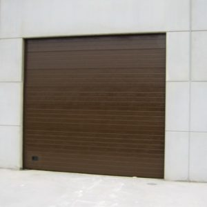 Puerta seccional industrial RAL 8014
