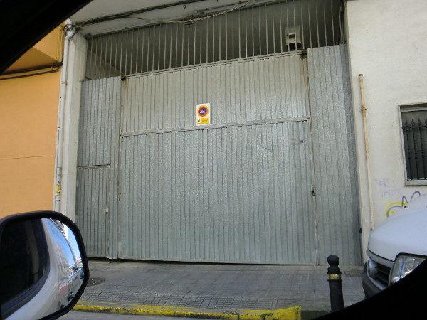 puerta-basculante-en-chapa-galvanizada